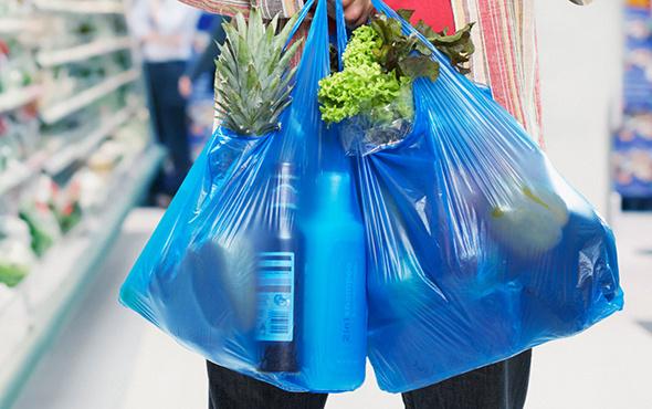 Bir ülke daha plastik poşet kullanımını yasaklıyor!
