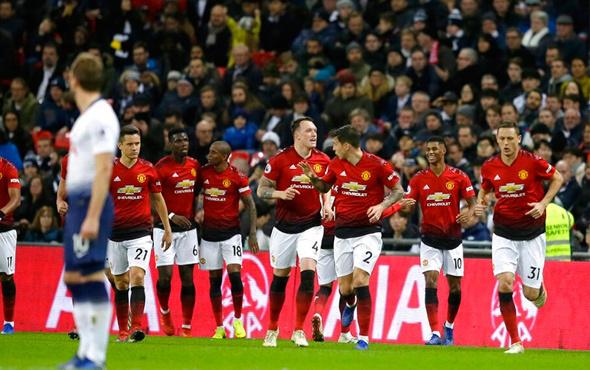 Dev maçın galibi Manchester United