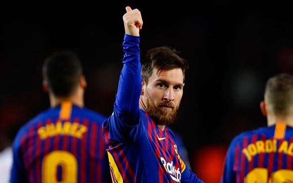Barça 3'ledi Messi tarihe geçti