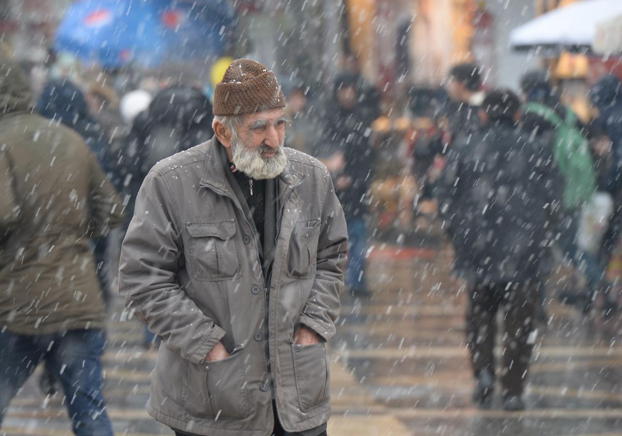 Yarın kar yağışı geliyor asıl çarşamba günü etkili olacak meteoroloji açıkladı