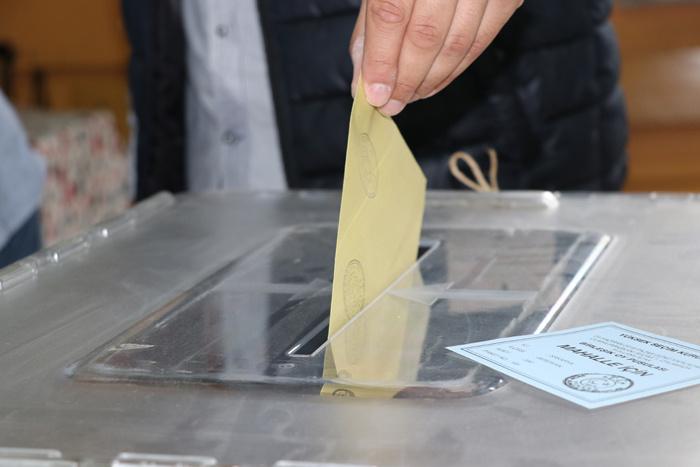 Son seçim anket sonuçları AK Parti masasında - Sayfa 1