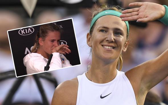 Dünyaca ünlü tenisçi basın toplantısında hüngür hüngür ağladı