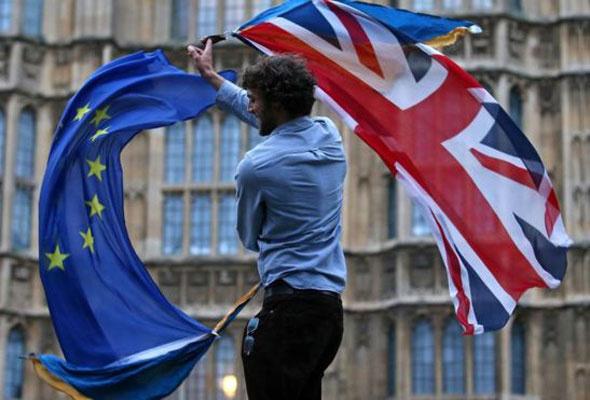 İngiltere'de son 400 yılın siyasi krizi yaşanıyor Avrupa'da kaos var - Sayfa 4