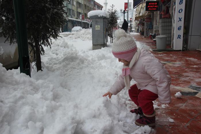 Niğde'de okullar yarın 17 Ocak perşembe günü tatil edildi