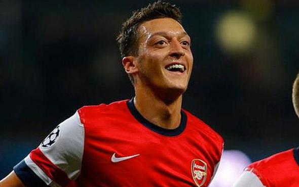 Mesut Özil'e eleştiri! Emekli olacak gibi...