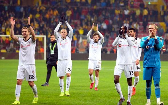 Beşiktaş ikinci devreye Akhisar'da start veriyor