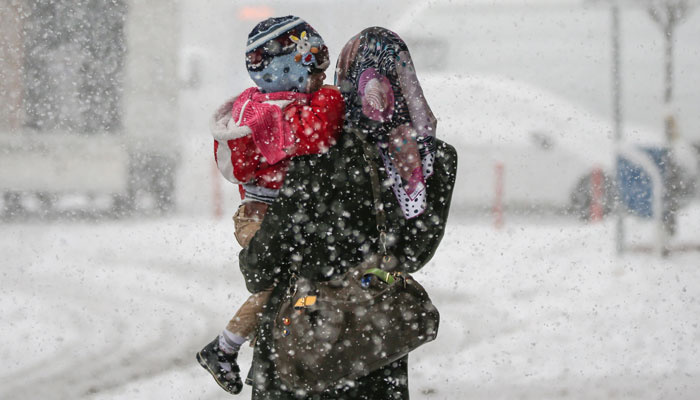 Adana'nın Tufanbeyli ilçesinde eğitime kar engeli