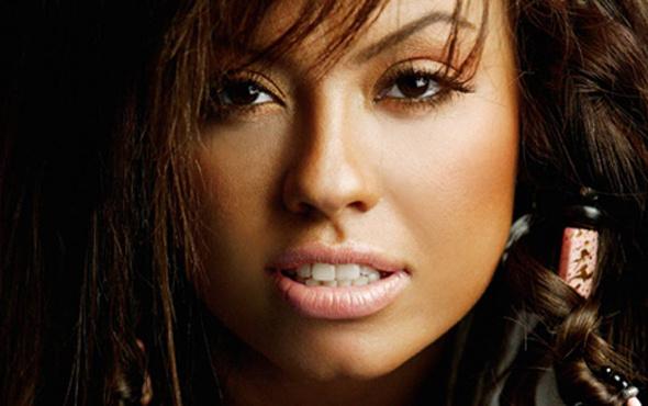 Şarkıcı Lara'yı gören şoke oluyor! İşte müthiş değişim