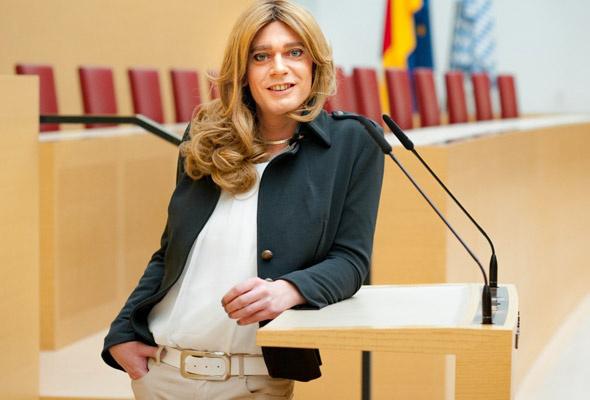 Milletvekilinden şok eden karar cinsiyetini değiştirdi Almanya'da bir ilk - Sayfa 3