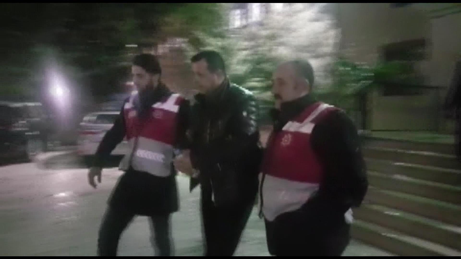 Ataköy'de korkunç olay! İstedikleri şarkı çalınmayınca dehşet saçtılar
