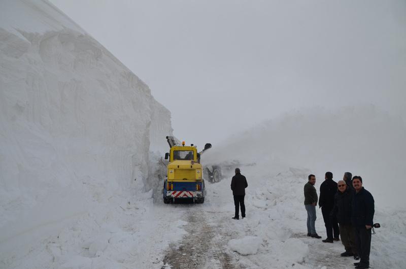 Muş'ta kar kalınlığı 10 metreye ulaştı - Sayfa 1