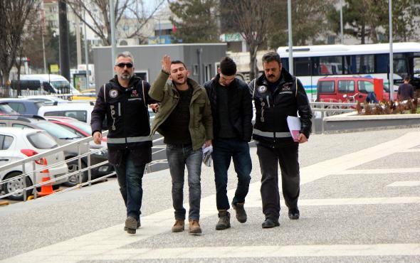 Sahte para ile alışveriş yapmaya çalışan 2 kişi gözaltına alındı