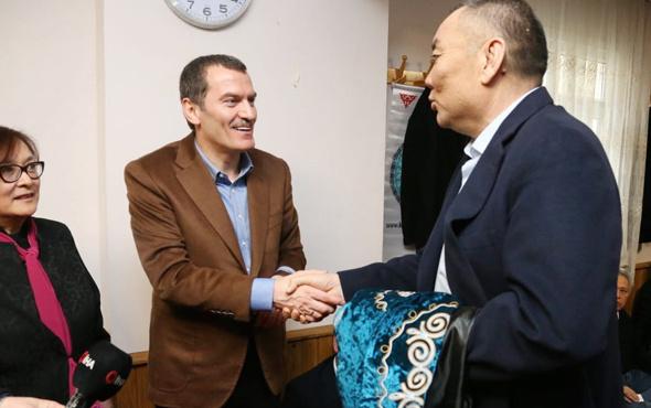 AK Parti Zeytinburnu Belediye Başkan adayı Arısoy, Kazakların 'Nişan Bata'sına katıldı