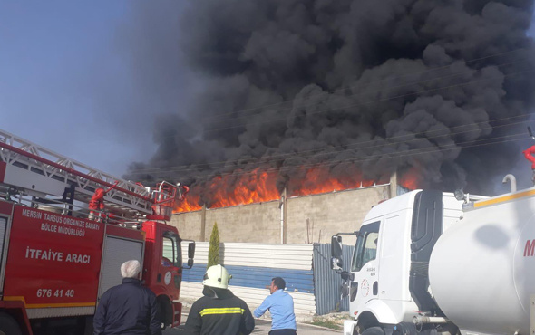 Mersin'de çakmak fabrikasında yangın