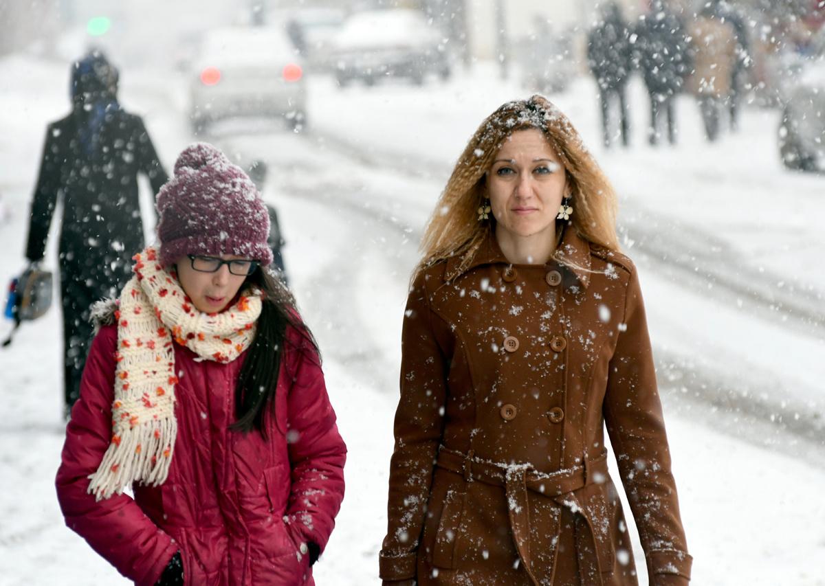 Meteoroloji İstanbul için saat açıkladı hem kar hem fırtına geliyor