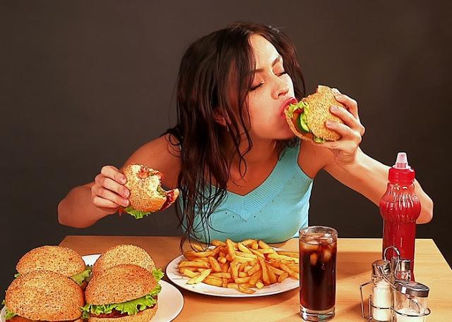 Sürekli yemek dürtünüz varsa sebebi bu hastalık diyetisyen çareyi söyledi