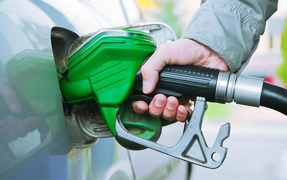 Araç sahiplerine kötü haber kur yükseldi benzinde zam yolda