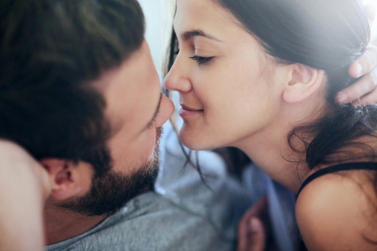 Öpüşmenin sağlığı nasıl etkilediğini biliyor muydunuz? Meğer öpüşmek... - Sayfa 1
