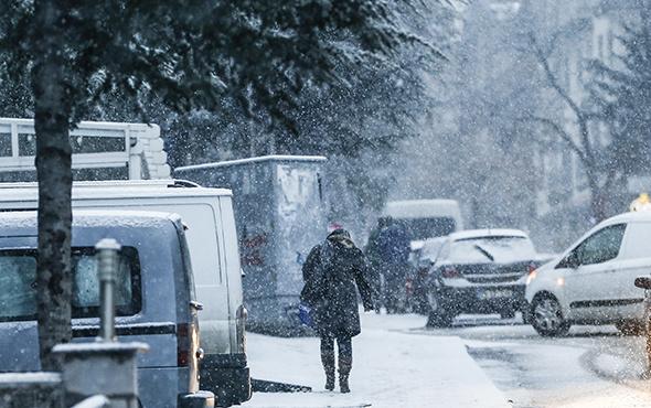 Bursa'da kar bastırdı saatlik hava durumu yayınlandı