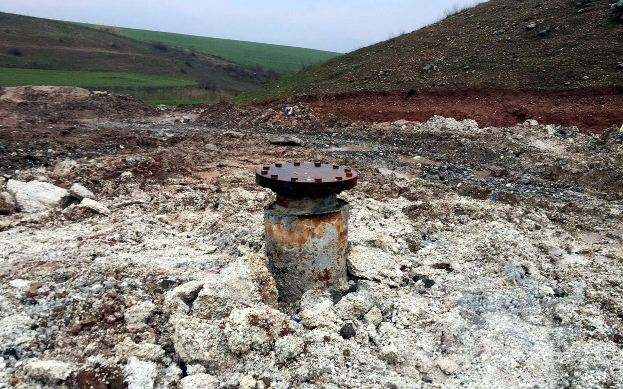 Siirt'te termal su aranırken petrole rastlandı