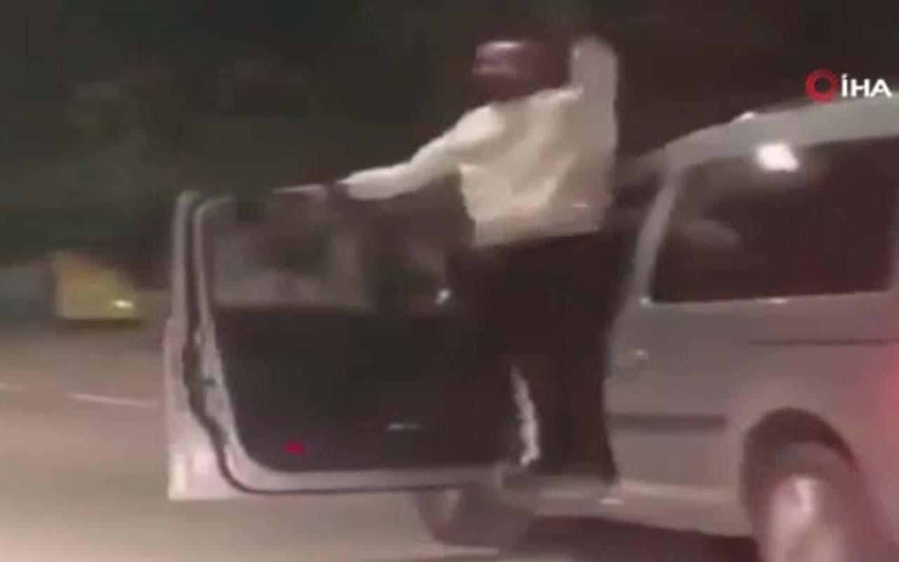 Seyir halindeki aracının kapısında dans eden sürücüye 5 ay hapis
