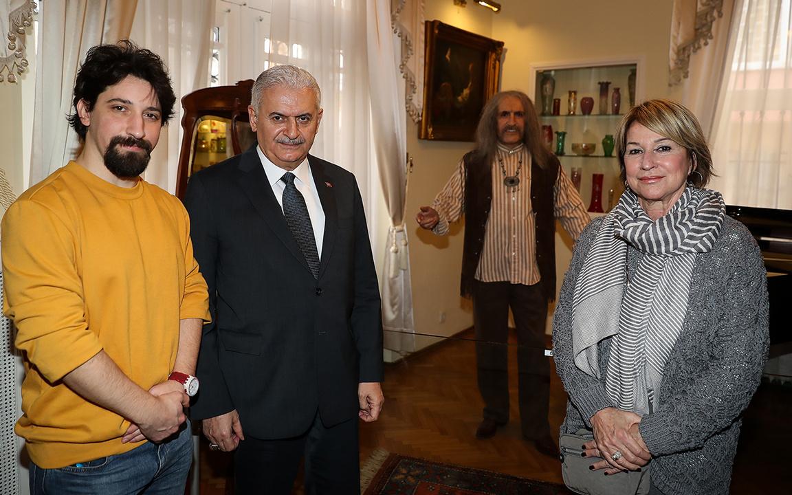 Binali Yıldırım, Barış Manço müzesini ziyaret etti