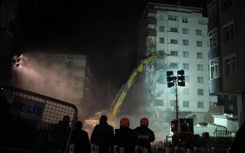 Kartal'da riskli binanın yıkımına başlandı! - Sayfa 4
