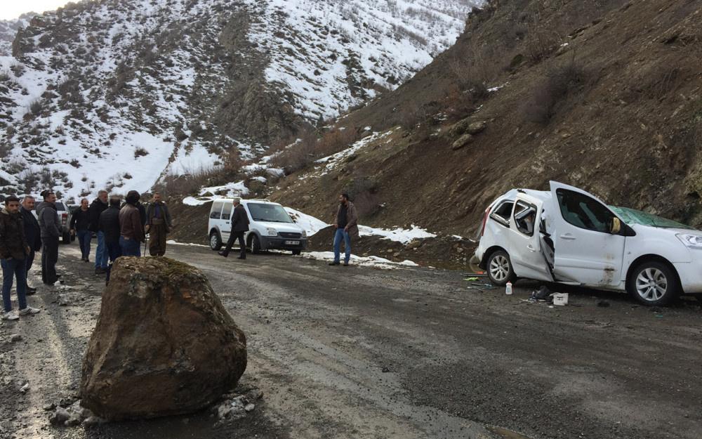 Şırnak'ta dağdan kopan kaya aracı biçti! - Sayfa 3