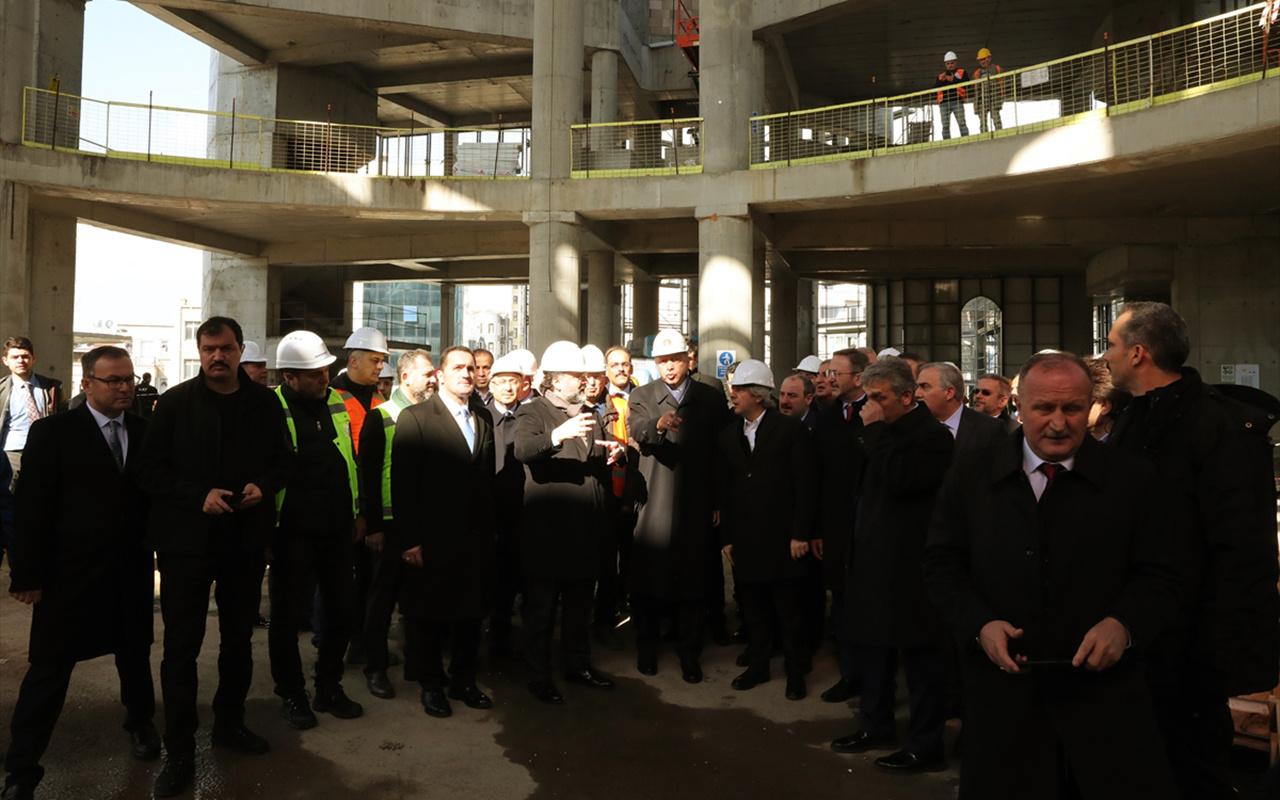 Cumhurbaşkanı Erdoğan, Taksim Camisi inşaatını gezdi