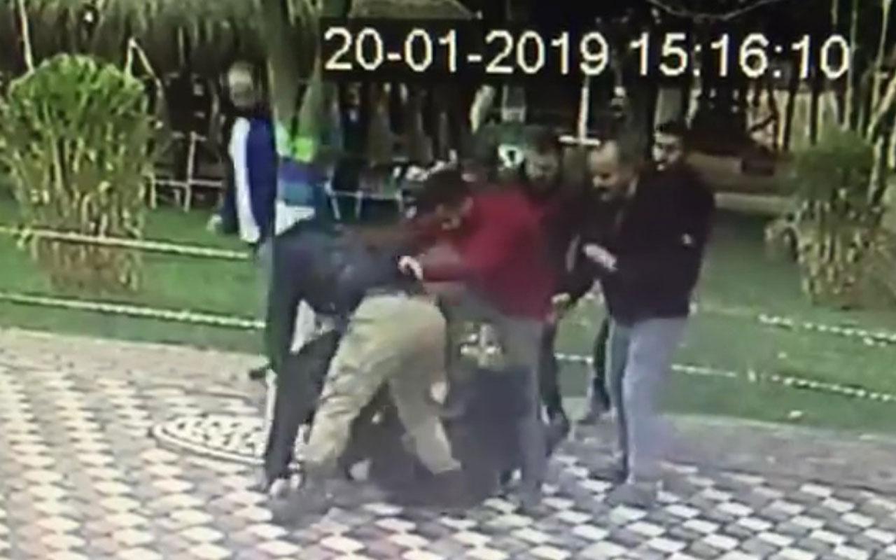 Genç kıza laf atıp, erkek arkadaşını dövmüşlerdi! Flaş karar