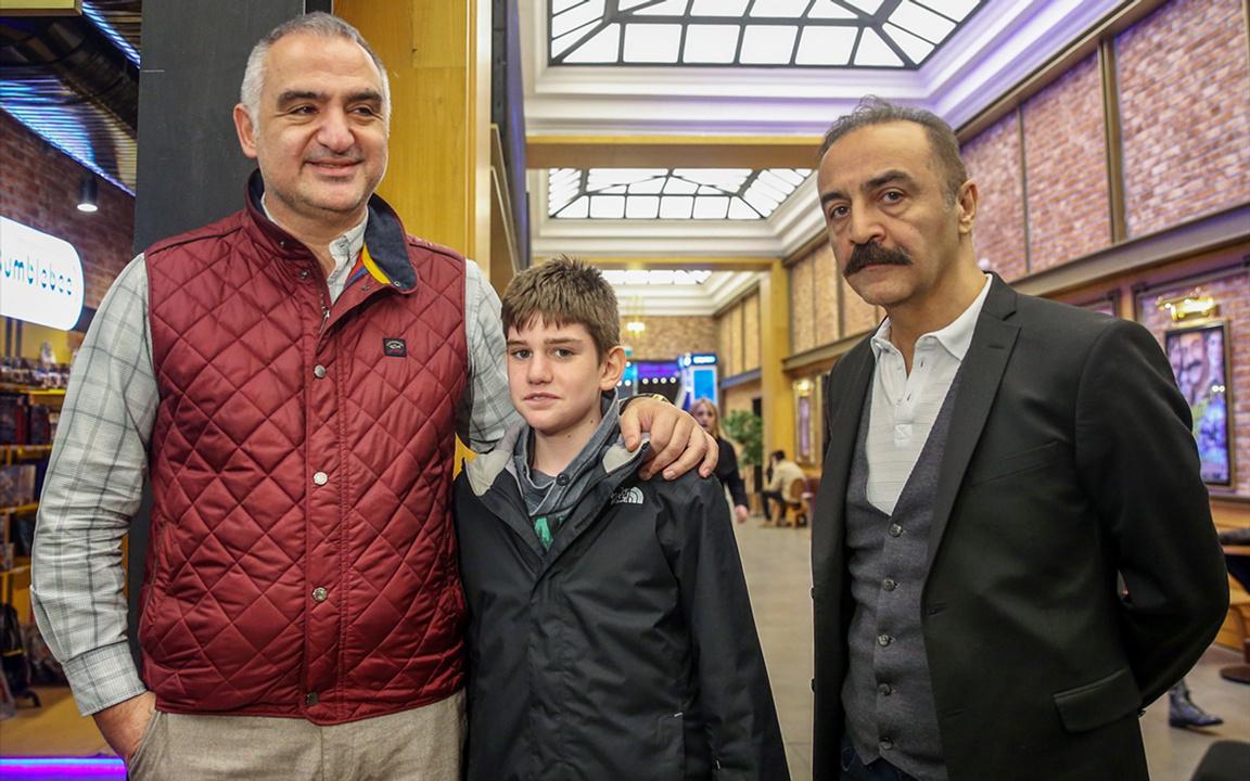 Bakan Ersoy: 'Önemli olan Türk sinemasının dünyada gelişmesi'