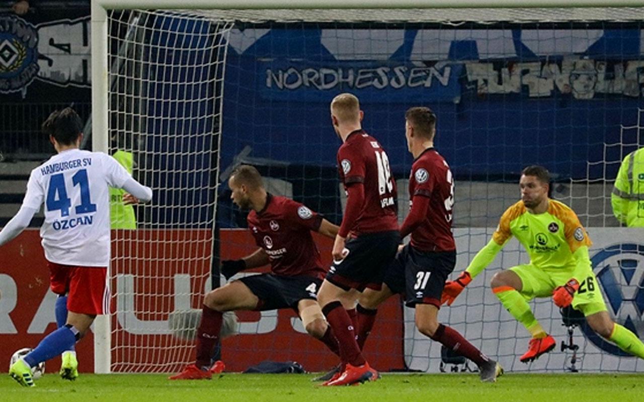 Hamburg, Berkay Özcan'ın golüyle turladı