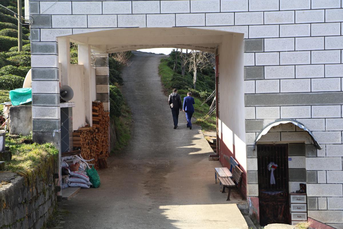 Rize'deki camii görenleri hayrete düşürüyor altından araç geçiyor