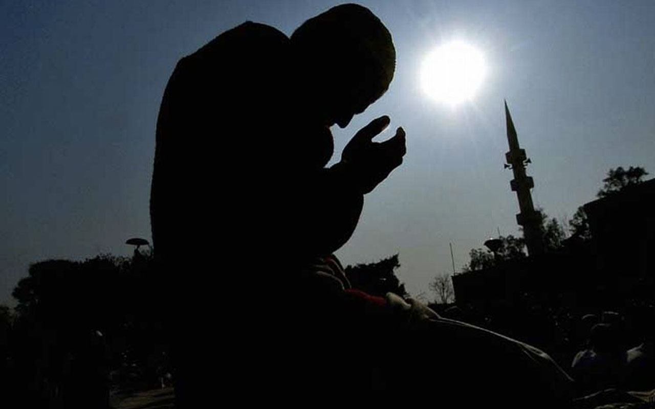 Cuma günü sela vakti okunan dualar kabul olur mu?