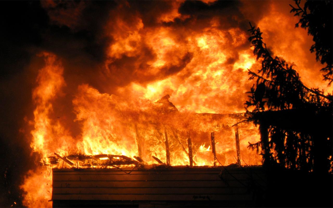Almanya'da çıkan yangında beş kişi hayatını kaybetti