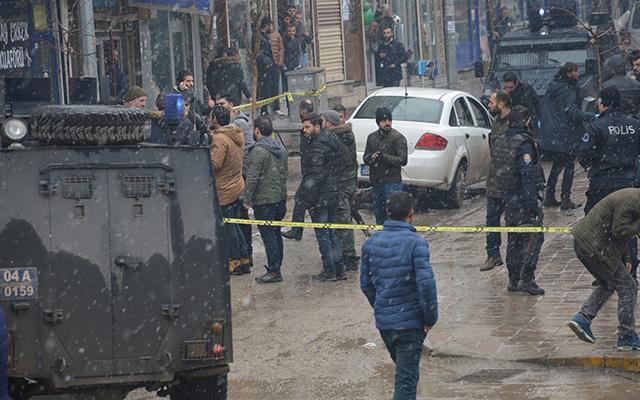 Ağrı'da silahlı sokak kavgası: Yaralılar var!