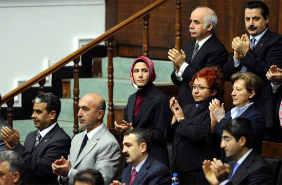 Sümeyye Erdoğan grup toplantısında