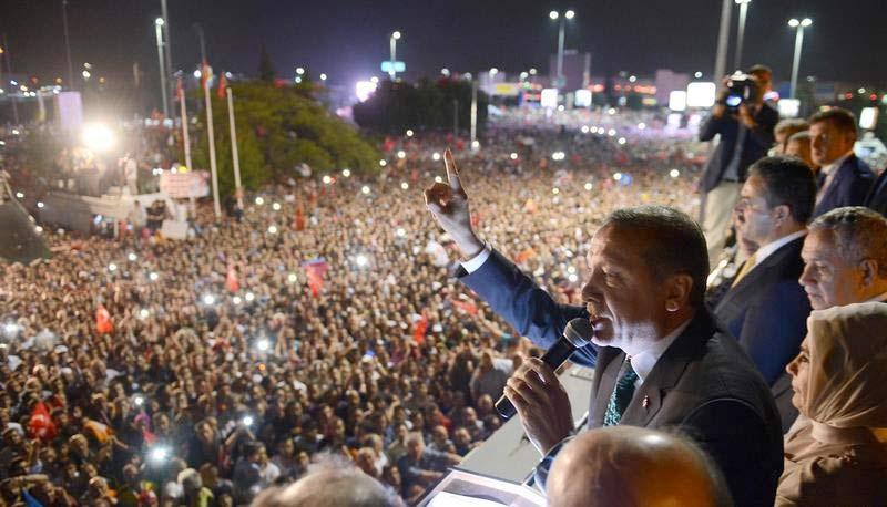 Havalimanı'nda Erdoğan izdihamı