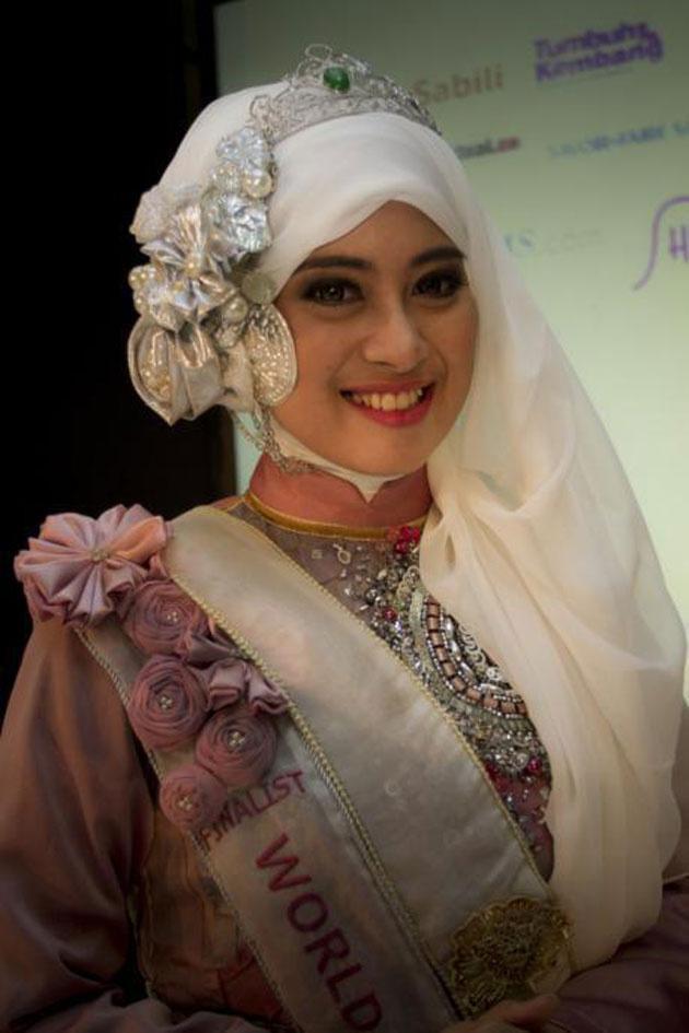 9 Miss Müslüman güzellik yarışması fotoğrafları video izle 2013