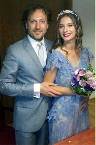 Ünlü isimlerin bilinmeyen düğün fotoğrafları -11-Tuba Ünsal ile Mirgün Cabas