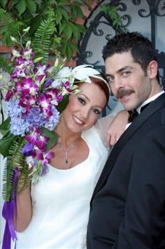 Ünlü isimlerin bilinmeyen düğün fotoğrafları -16-Dolunay Soysert ile Sinan Tuzcuoğlu