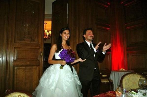 Ünlü isimlerin bilinmeyen düğün fotoğrafları -9-Tuba Büyüküstün ile Onur Saylak