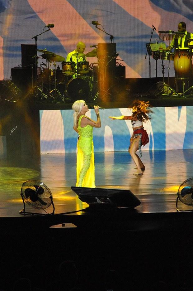 Superstar'a şok protesto! Neye uğradığını şaşırdı -3-Harbiye Açıkhava'da Ajda Pekkan sahne aldı. Yoğun ilginin olduğu konserde gelen konuklar hayal kırıklığına uğradı.