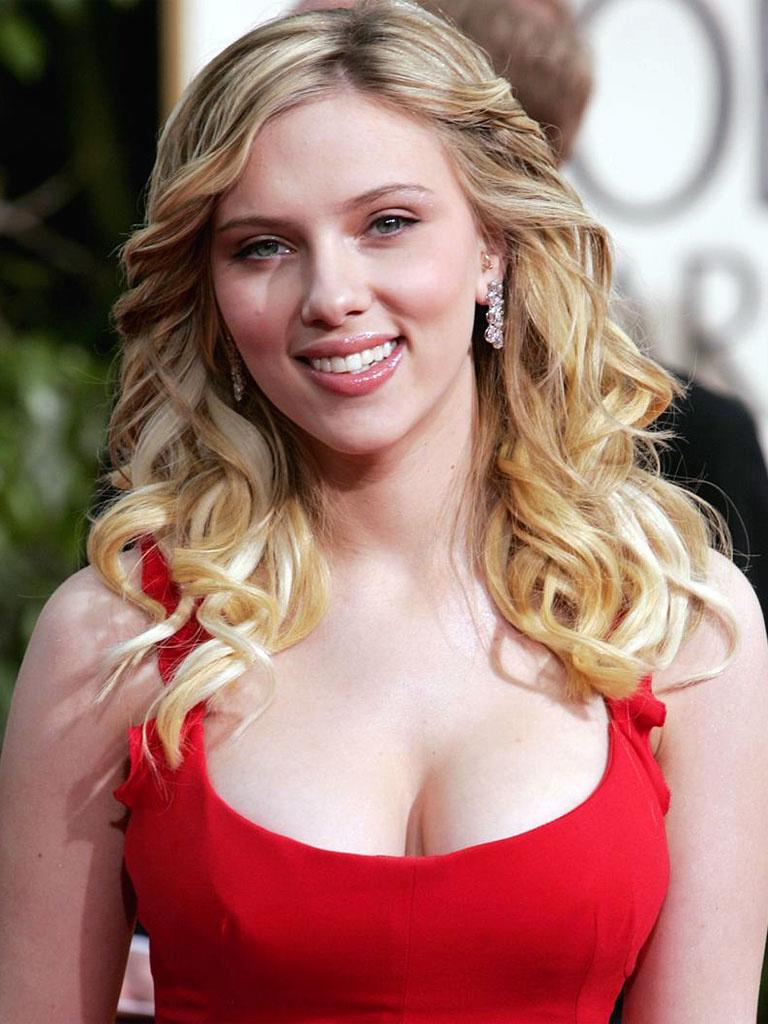 8 Scarlett Johansson Plastic Surgery