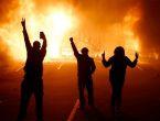 ABD'de isyan çıktı yağmalamalar başladı