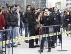 Taksim Meydanı'nda polise saldırı