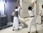 IŞİD binlerce yıllık heykelleri yok etti
