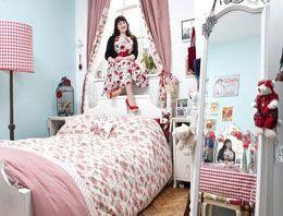 Dünyanın her yerinden genç kadın odaları