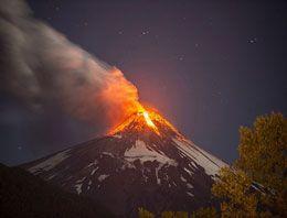 Şili'deki Villarrica volkanı lav püskürtmeye başladı