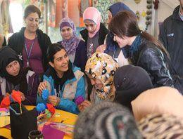 Tuba Büyüküstün Suriyeli mültecileri ziyaret etti